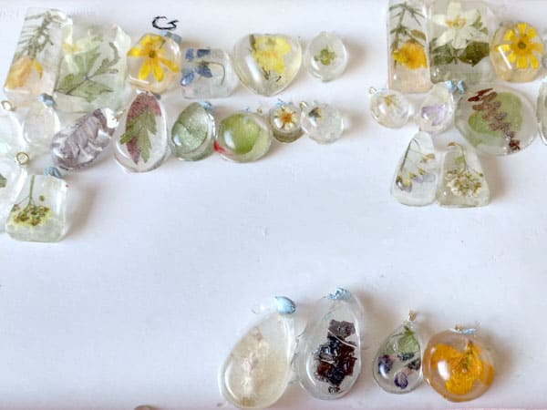 floral resin jewellery