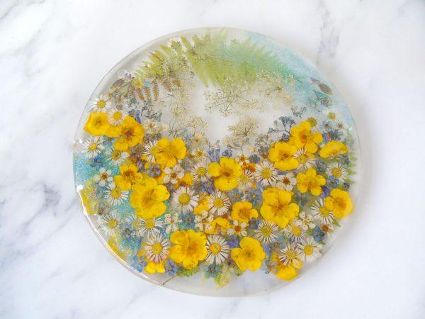 Buttercup resin coaster